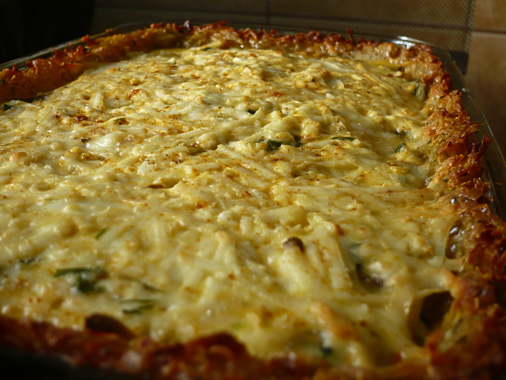 Mushroom quiche with potato crust