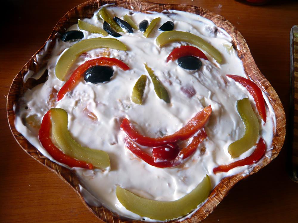salata boeuf � happy face decoration
