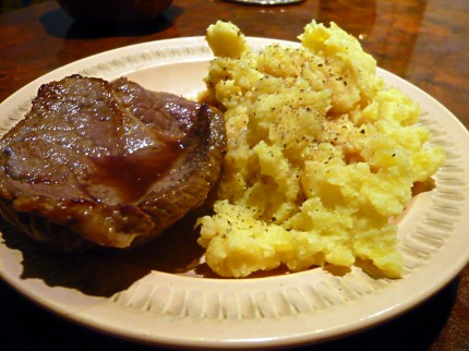 Fried Pork Chops with Mashed Potatoes