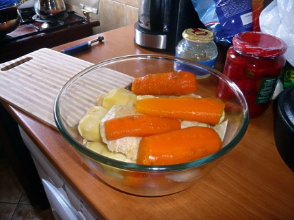 Vegetables for Salata de Boeuf